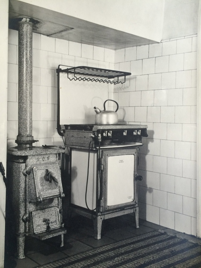 I remember my grandmother making Scotch pancakes on this stove - the dog's meals were boiled up here (no tinned pet food in those days) and every Sunday lunch